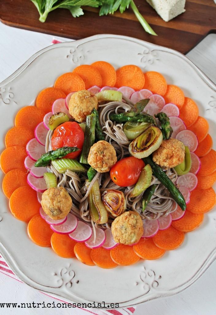 noodles con albondigas