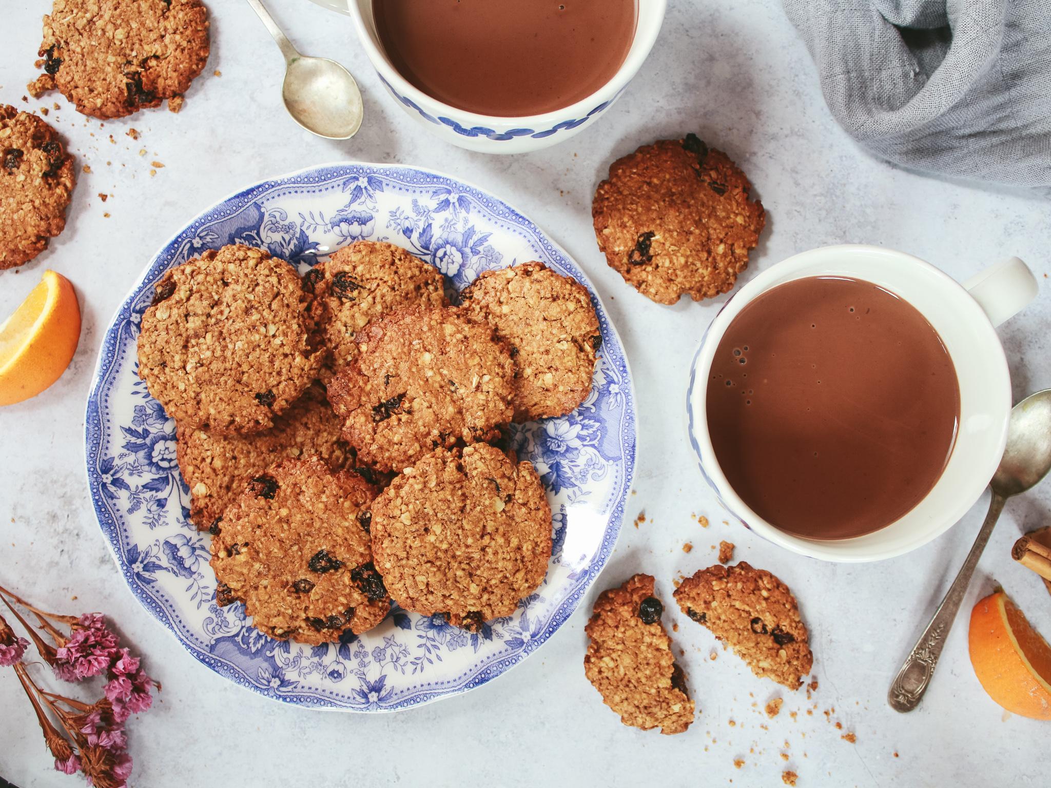 Galletas cookies de pasas con canela y naranja